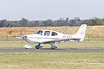 Cirrus SR22 (VH-EET) taxiing at Temora Airport.jpg