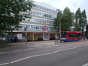 Cockfosters tube station - Image: Cockfosters station bus stand