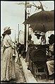Collectie Nationaal Museum van Wereldculturen TM-60062286 Straatverkoop van tabak aan de rol Jamaica Underwood & Underwood (Fotostudio).jpg