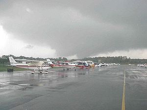 College Park Airport - College Park Airport tornado of 2001