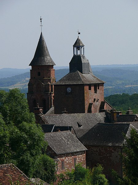 File:Collonges-la-Rouge - Église Saint-Pierre - 2.jpg