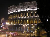 Colosseo di notte.01.jpg