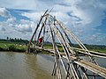 Crossing the river on a bamboo bridge - panoramio.jpg