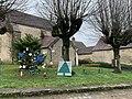 Décorations de noël près de l'église de Blannay en décembre 2020.jpg