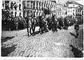 Défilé de la Garde britannique - Maubeuge - Médiathèque de l'architecture et du patrimoine - APTH002512.jpg