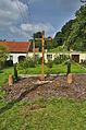 Dřevěný kříž před zámkem, Šebetov, okres Blansko.jpg