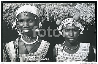 Biafada people - Biafada women adorned with ornaments in the city of Fulacunda, Guinea Bissau (60s). Photo by A. B. Geraldo