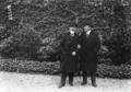 De gauche à droite - Mr Théodor, bâtonnier belge, et Mr Henri Robert.png