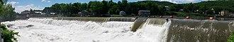 Shelburne Falls, Massachusetts - Image: Deerfield River in Shelburne Falls, Massachusetts