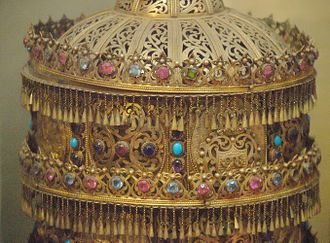 Ethiopian art - Royal crown in the National Museum of Ethiopia