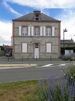Deux-Évailles (53) Mairie.JPG