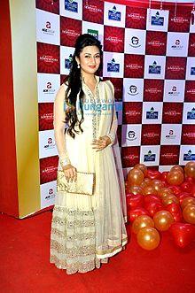 Divyanka Tripathi at ABP News' Saas Bahu Aur Saazish's annual bash.jpg