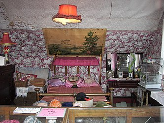 Dolly's House Museum bedroom.jpg