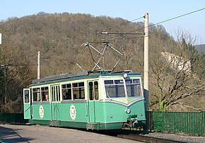 Triebwagen in der Bergstation