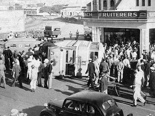 Durban trolleybus turnover - 19410305