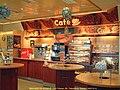 E6高速公路 法尔肯贝里 Shell 7-Eleven 商店内部(inside) - panoramio.jpg