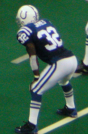 James playing for the Indianapolis Colts in 2004 Edgerrinjames2004.jpg