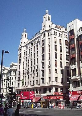 Edificio Rialto (Gran Vía 54, Madrid) 01.jpg