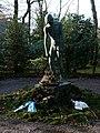 Ehrenfriedhof (Mülheim) Plastik.jpg