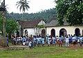 Elèves jouant au ballon dans une école de Ribeira Peixe (São Tomé) (3).jpg