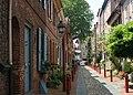 Elfreth's Alley, Philadelphia, 2008.jpg