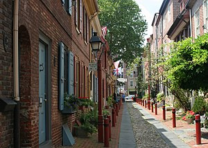 Elfreth's Alley, Philadelphia, 2008.jpg