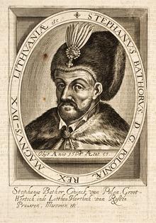 Um homem de meia-idade barbudo com um chapéu