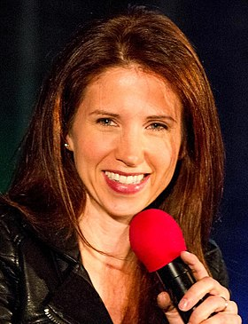 Emily Perkins at Supernatural Vancouver Con 2013.jpg