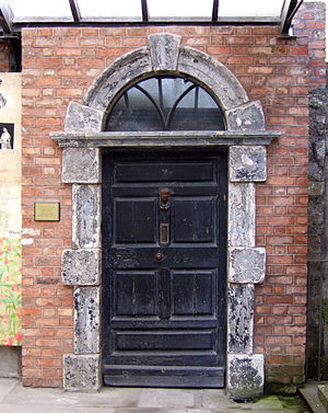English: The original front-door from No. 7 Ec...