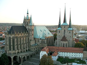 Erfurt cathedral and severi church.jpg