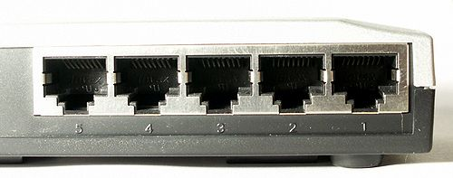 Ethernet switch Atlantis A02-F5P 5 ports backend detail.jpg