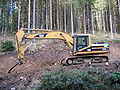 Excavator CAT 325B LN 8652.jpg