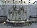 Ferdinand-Blat-Hof - Brunnen im Hof.jpg