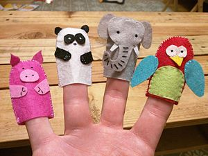 Finger puppet - Homemade finger puppets made of felt and sewing thread