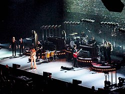 Florence + The Machine, Auckland - 2015 (22803660377).jpg