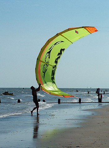 English: Flying the Kite at Frinton on Sea. Fr...