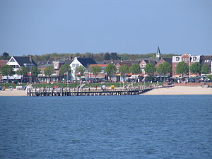 Wyk auf Föhr - Wyk's beach promenade as seen from the water