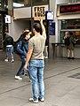 Free Hugs - Station Den Bosch (50877329466).jpg