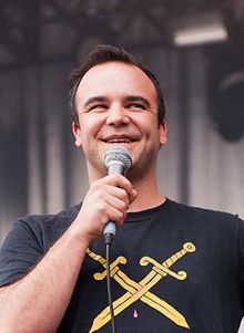 Future Islands, Kosmonaut Festival 2015 13 (cropped).JPG