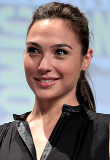 alt=Description de l'image Gal Gadot 2 SDCC 2014 (cropped).jpg.