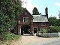 Gatehouse on Church Road - geograph.org.uk - 904838.jpg