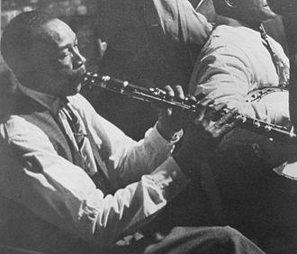 George Lewis (clarinetist) - Image: George Lewis clarinet fingers Kubrick 1950