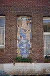 gevelmozaiek van maria met kind in de gevel van bijgebouw - nieuwkuijk - 20333301 - rce