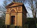 Grabhaus von Hildebrandt Dänischenhagen.jpg