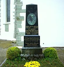 Grabmal von Felix Hoppe-Seyler (cemetery at Church of St. George in Wasserburg am Bodensee) 1.jpg