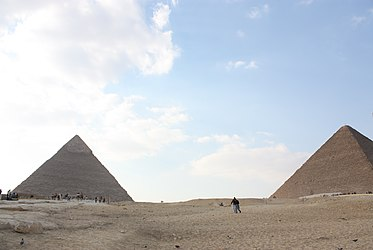 Great Pyramid and Khafre's Pyramid 2010.jpg