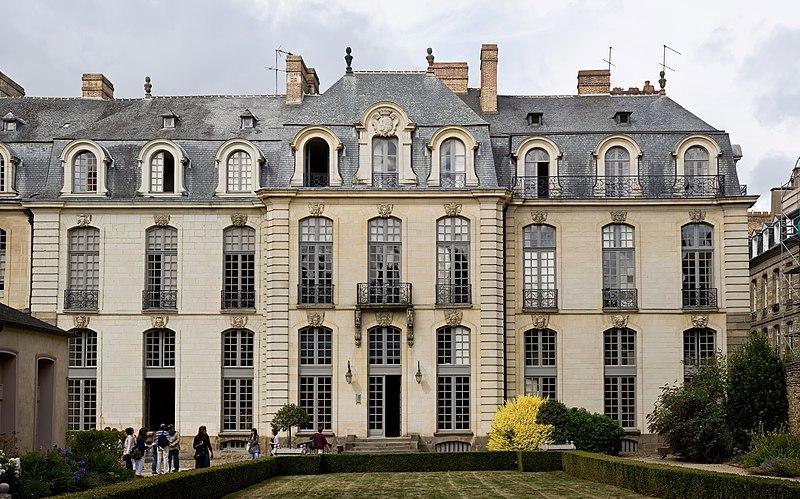 File:Hôtel de Blossac, Aug 2010.jpg Достопримечательности Ренна
