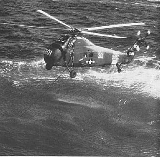 Sikorsky H-34 - A U.S. Navy HSS-1 with dipping sonar deployed, in 1960.