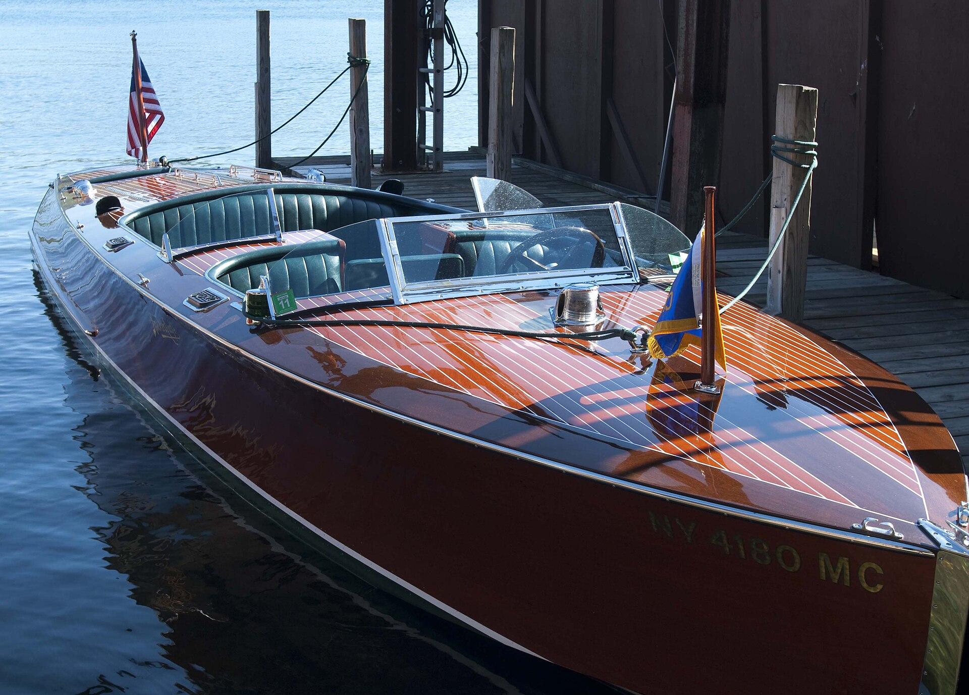 Runabout (boat) - Wikipedia