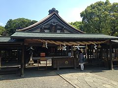 Haiden of Munakata Grand Shrine (Hetsu Shrine).JPG